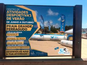 Cartel Watervolley en playa Portugal una piscinas deportiva profesional un roller publicitario 3 banderolas publicitarias